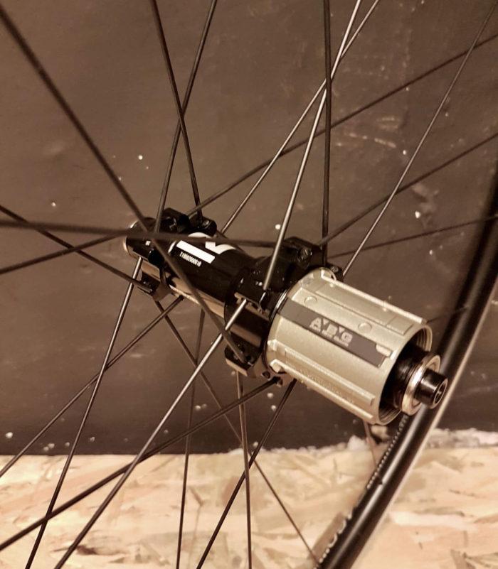 Tylna piasta Novatec NT-FS522SB QR-4SB-SH11s-24H w lekkim aluminiowym kole szosowym endurance DT Swiss R460 700C Poznań
