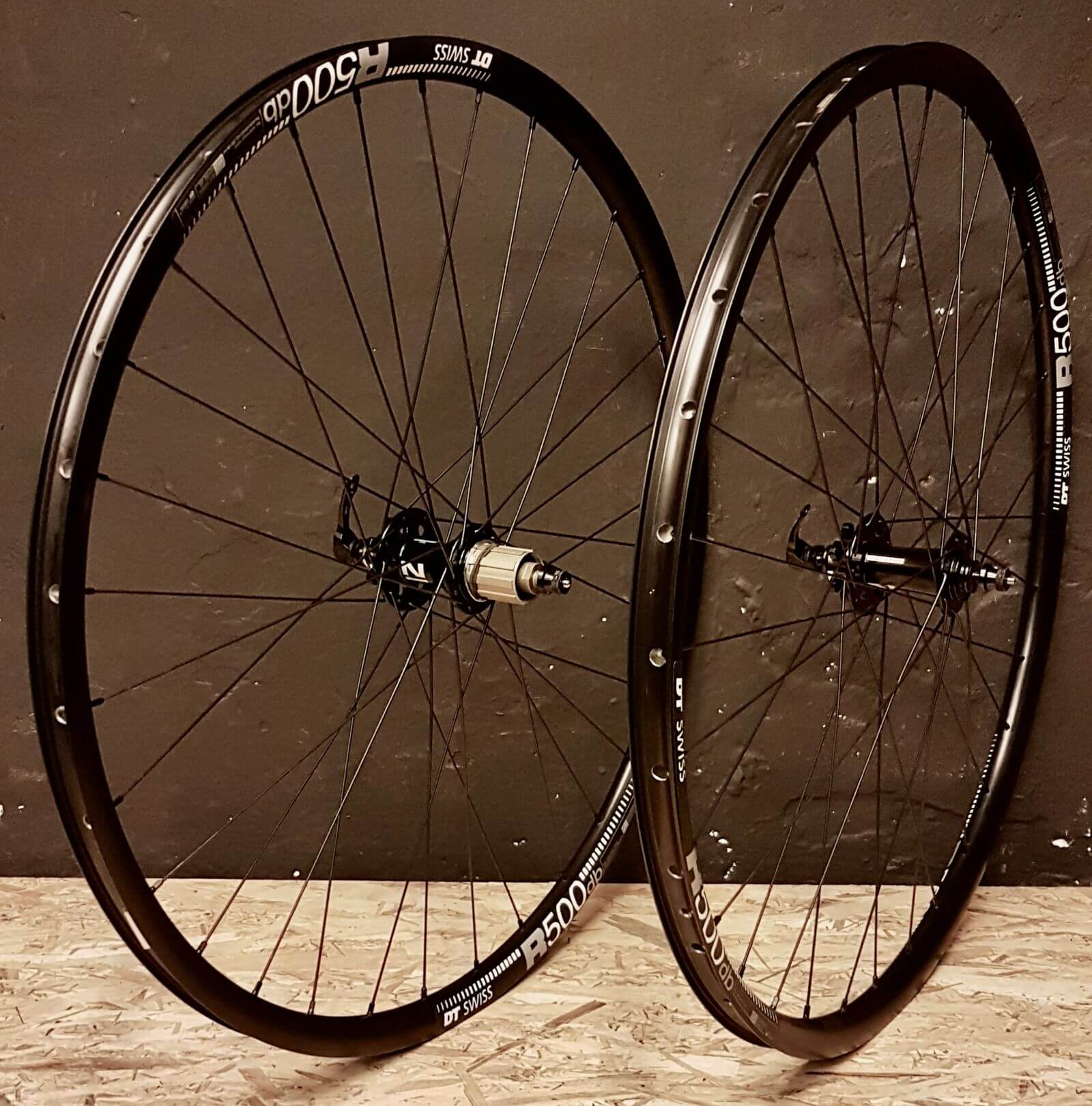 DT Swiss R500 Novatec 791-792 Pillar Aluminium Gravel Wheels for Adventure Cycling and Bikepacking Set to Weight 130 kg